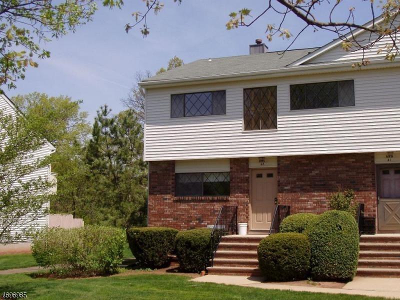 Частный односемейный дом для того Аренда на 899-A2 MERRITT DR, Apt A2 Hillsborough, Нью-Джерси 08844 Соединенные Штаты