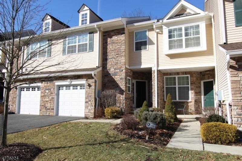 Μονοκατοικία για την Πώληση στο 68 Lamerson Circle Mount Olive, Νιου Τζερσεϋ 07828 Ηνωμενεσ Πολιτειεσ