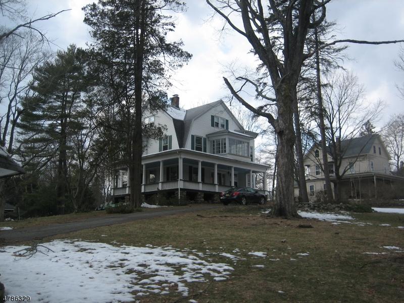 Nhà ở một gia đình vì Bán tại 589 Franklin Tpke 589 Franklin Tpke Allendale, New Jersey 07401 Hoa Kỳ