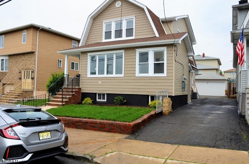 Maison avec plusieurs logements pour l Vente à 108 STEVENS Place North Arlington, New Jersey 07031 États-Unis