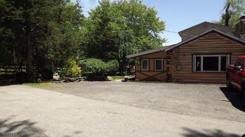 独户住宅 为 销售 在 24 ANCHOR Avenue 西米尔福德, 新泽西州 07480 美国