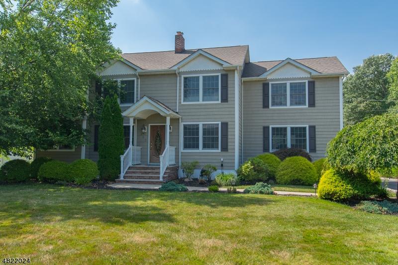 Casa Unifamiliar por un Venta en 243 BIG PIECE Road Fairfield, Nueva Jersey 07004 Estados Unidos