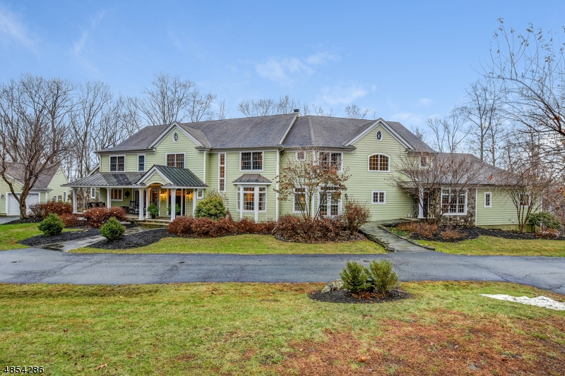 Single Family Home for Sale at 78 N FOUR BRIDGES RD 78 N FOUR BRIDGES RD Washington Township, New Jersey 07853 United States