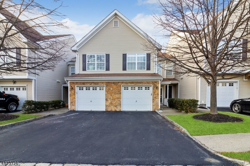 Condo / Townhouse for Sale at 55 Mountainside Pompton Lakes, New Jersey 07442 United States