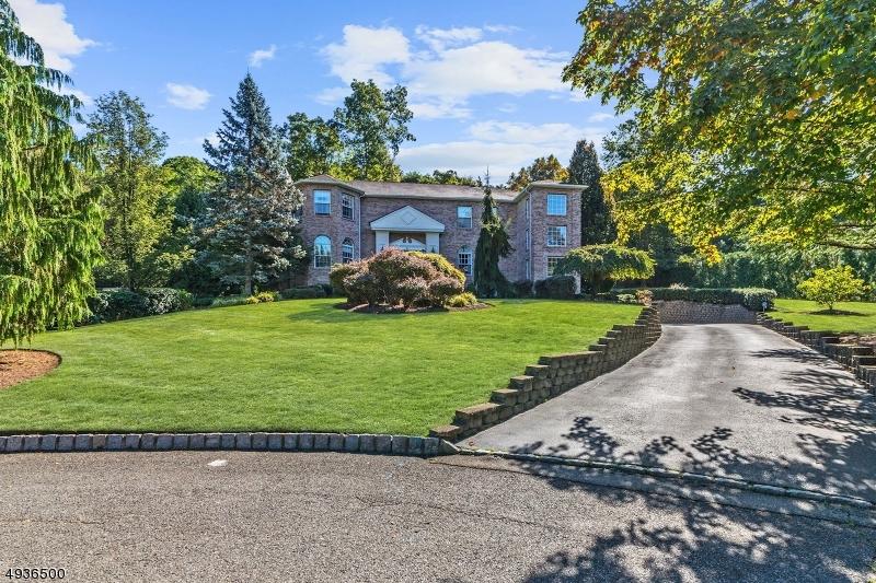 Single Family Homes 為 出售 在 Wayne, 新澤西州 07470 美國