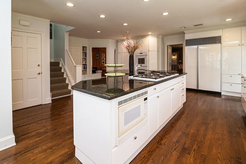 Additional photo for property listing at 99 Woodfield Drive  Short Hills, Нью-Джерси 07078 Соединенные Штаты