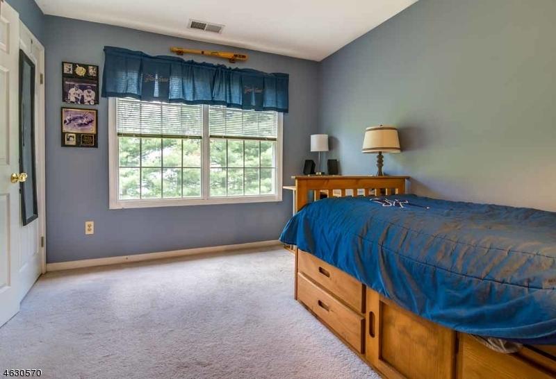 Additional photo for property listing at 2 Diane Court  Randolph, Nueva Jersey 07869 Estados Unidos