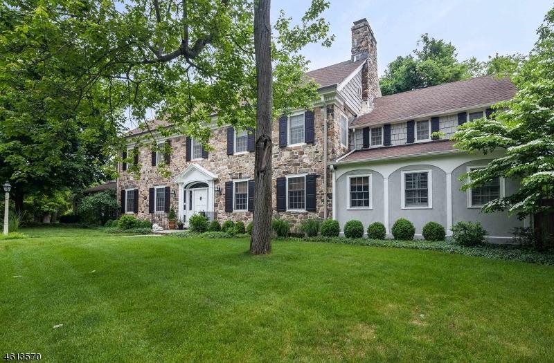 Частный односемейный дом для того Продажа на 99 Woodfield Drive Short Hills, Нью-Джерси 07078 Соединенные Штаты