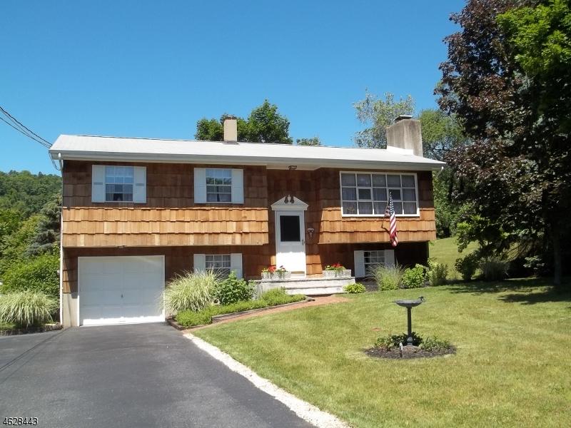 Частный односемейный дом для того Продажа на 31 IVY Place Glenwood, 07418 Соединенные Штаты