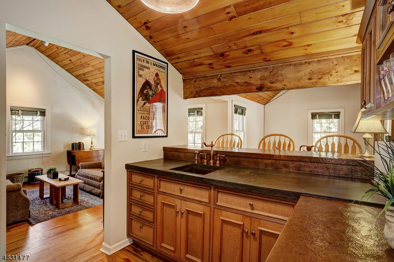 Частный односемейный дом для того Продажа на 45 Pine Knoll Drive Trenton, 08648 Соединенные Штаты