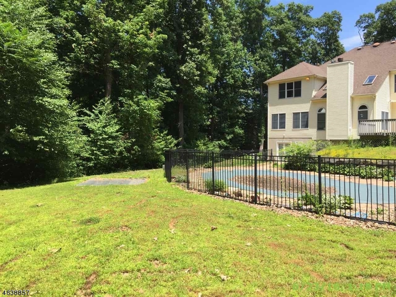 Additional photo for property listing at 29 Shadowbrook Way  Mendham, New Jersey 07945 United States