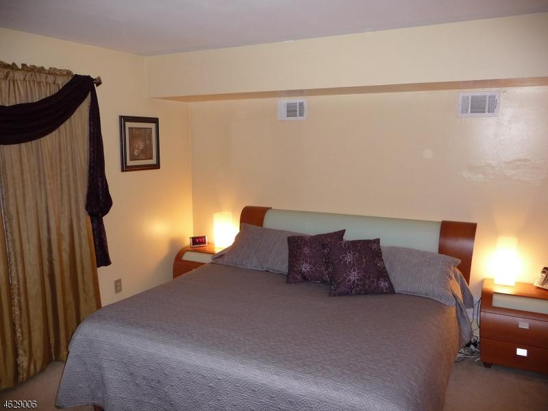 Additional photo for property listing at 5 Jefferson Street  Clifton, Нью-Джерси 07014 Соединенные Штаты