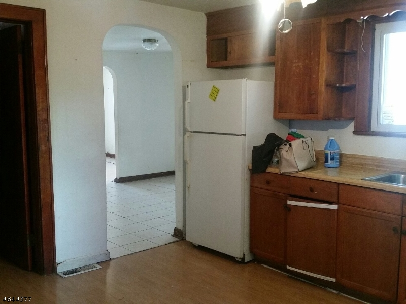 Additional photo for property listing at 22-24 CHURCH Street  Bound Brook, 新泽西州 08805 美国