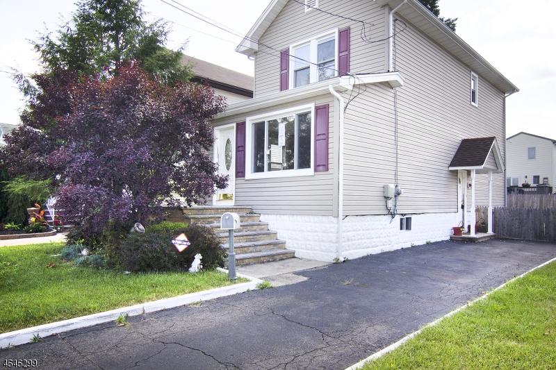 Частный односемейный дом для того Продажа на 83 Wilber Street Belleville, Нью-Джерси 07109 Соединенные Штаты