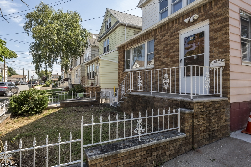 Additional photo for property listing at 758 THOMAS Street  Elizabeth, New Jersey 07202 United States