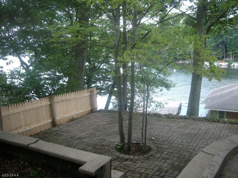Additional photo for property listing at 237 Squaw Trail  Andover, Нью-Джерси 07821 Соединенные Штаты