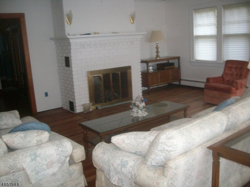 Additional photo for property listing at 237 Squaw Trail  Andover, New Jersey 07821 États-Unis