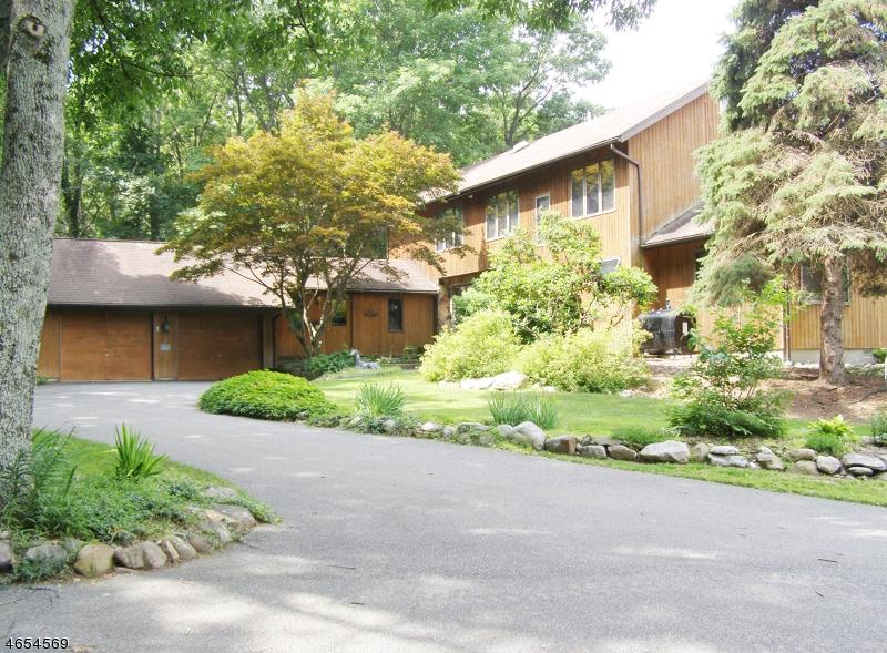 Maison unifamiliale pour l Vente à 122 Lincoln Laurel Road Newton, New Jersey 07860 États-Unis