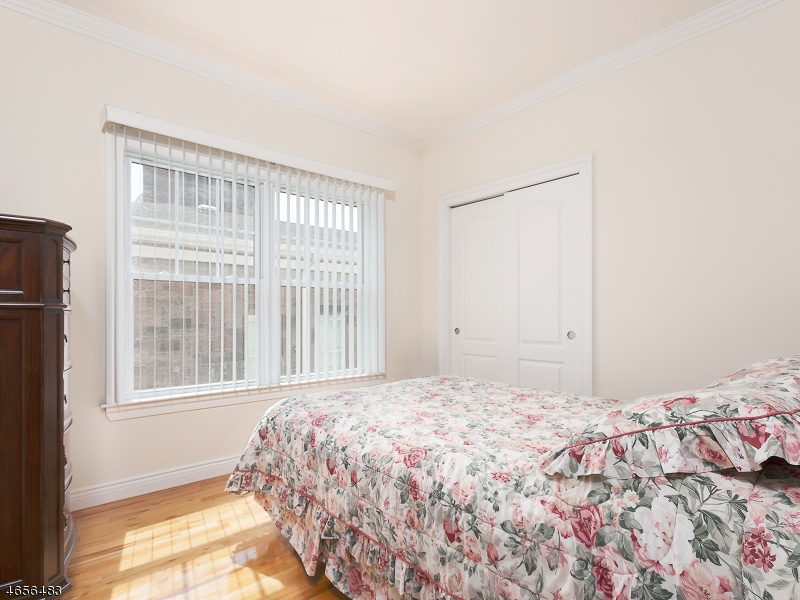 Additional photo for property listing at 37-39 FREEMAN  Newark, New Jersey 07105 États-Unis