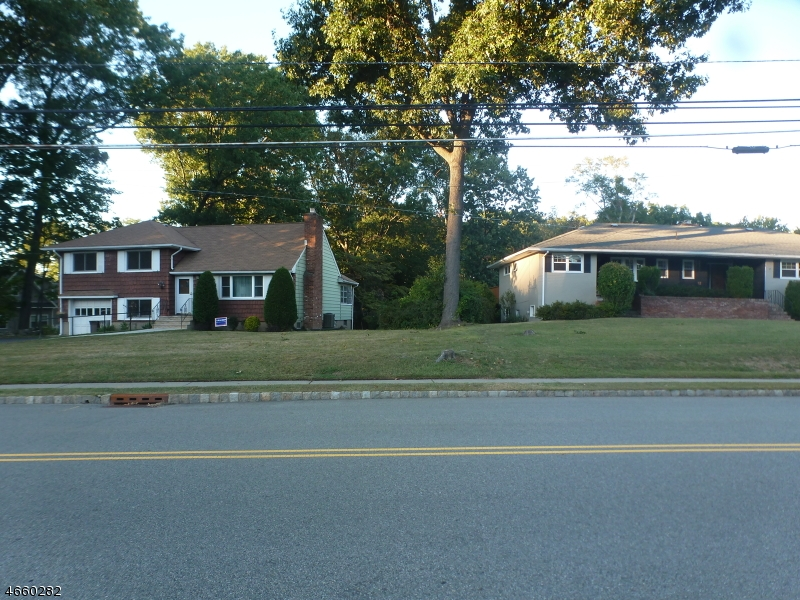Additional photo for property listing at 95 E Lindsley Road  Cedar Grove, New Jersey 07009 United States