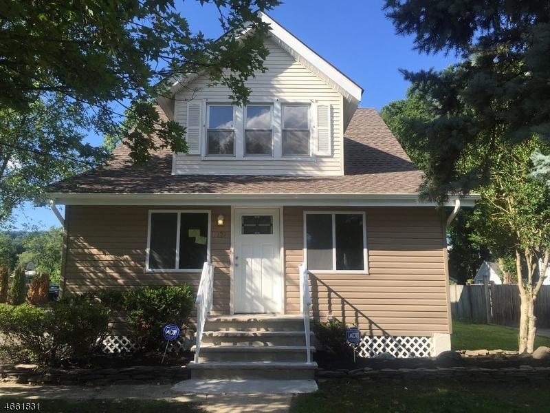 独户住宅 为 销售 在 121 Cherry Avenue Bound Brook, 08805 美国
