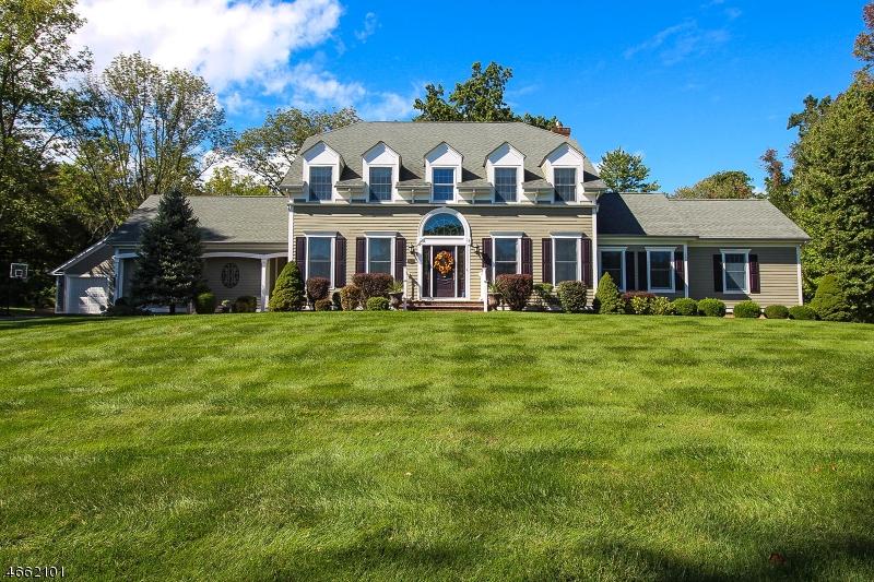 Частный односемейный дом для того Продажа на 188 Main Street Hampton, Нью-Джерси 08827 Соединенные Штаты