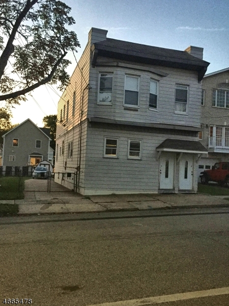 Additional photo for property listing at 411-413 Hickory Street  Kearny, Нью-Джерси 07032 Соединенные Штаты