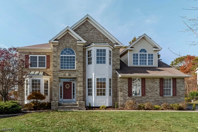 Single Family Home for Sale at 4 Saunders Lane Hackettstown, 07840 United States