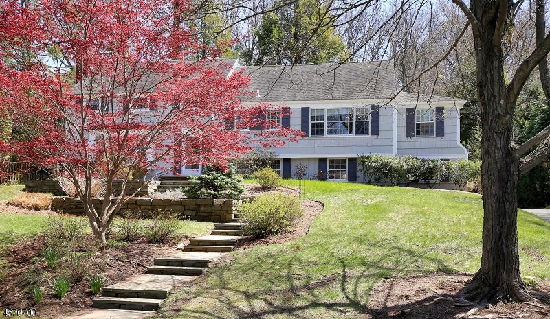 Частный односемейный дом для того Аренда на 290 Long Hill Drive Short Hills, 07078 Соединенные Штаты