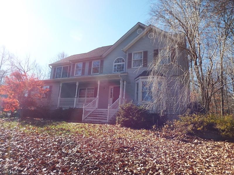 Maison unifamiliale pour l à louer à 3 Wood Hollow Trail Oak Ridge, New Jersey 07438 États-Unis