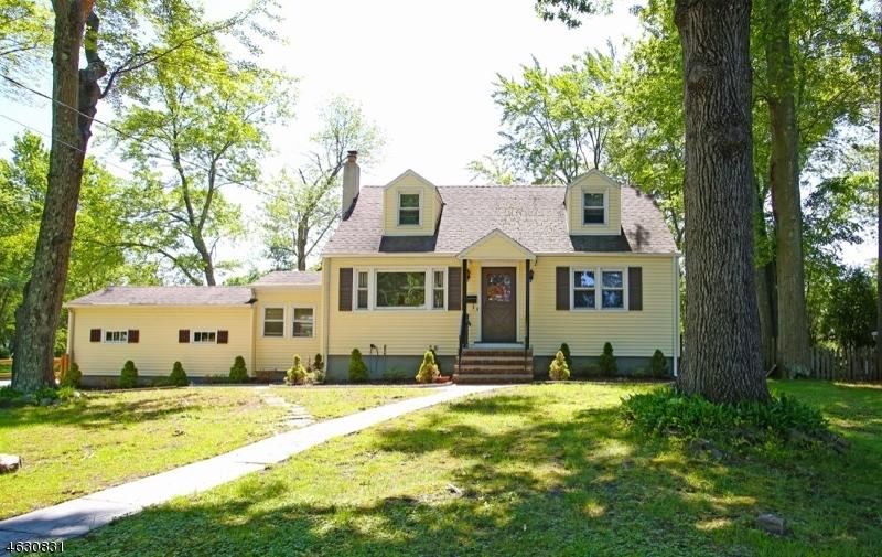 Частный односемейный дом для того Продажа на 328 Elkwood Avenue New Providence, 07974 Соединенные Штаты