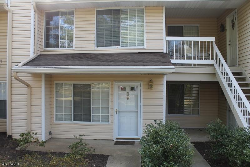 Частный односемейный дом для того Аренда на 4 Wendover Court Bedminster, 07921 Соединенные Штаты