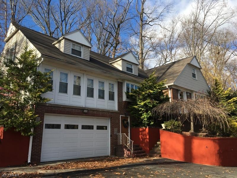 Частный односемейный дом для того Продажа на 92 Rea Avenue Ext Hawthorne, 07506 Соединенные Штаты