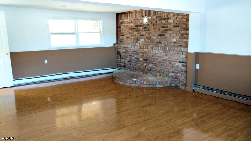 Additional photo for property listing at 2 BLACK CREEK ROAD  Glenwood, Nueva Jersey 07418 Estados Unidos
