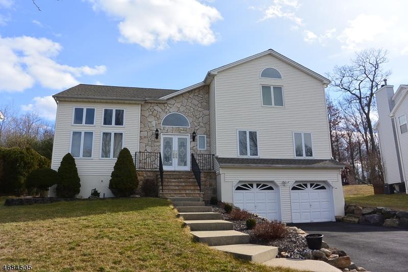 Частный односемейный дом для того Продажа на 37 FERNWOOD ROAD Rockaway, 07866 Соединенные Штаты