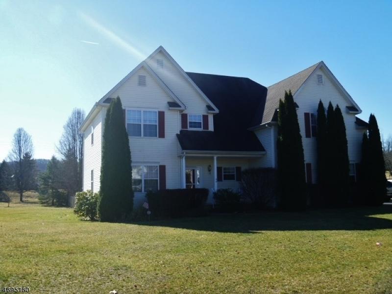 Частный односемейный дом для того Продажа на 46 Winchester Avenue Mansfield, 07840 Соединенные Штаты