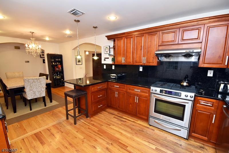 Частный односемейный дом для того Аренда на 297 TAYLOR RD S Millburn, Нью-Джерси 07078 Соединенные Штаты
