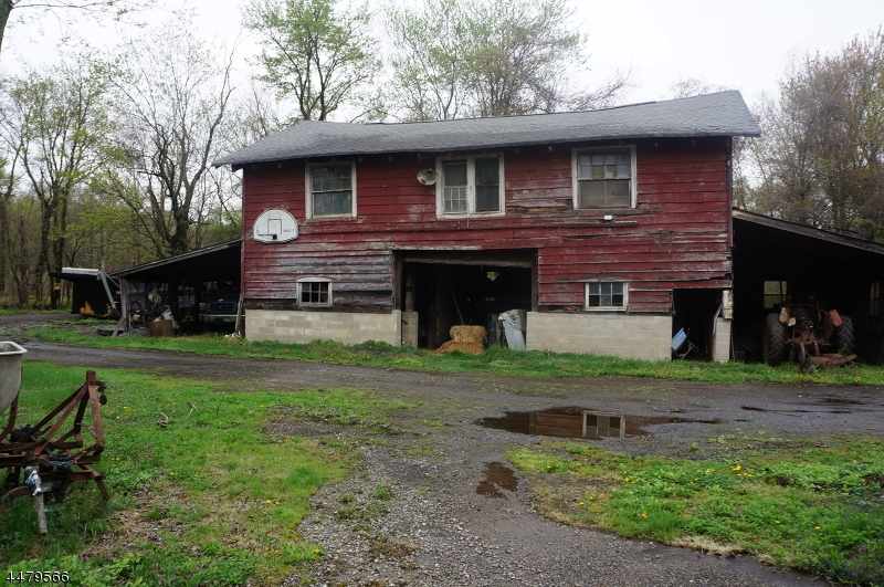 Additional photo for property listing at 317 Big Piece Road  Fairfield, New Jersey 07004 United States