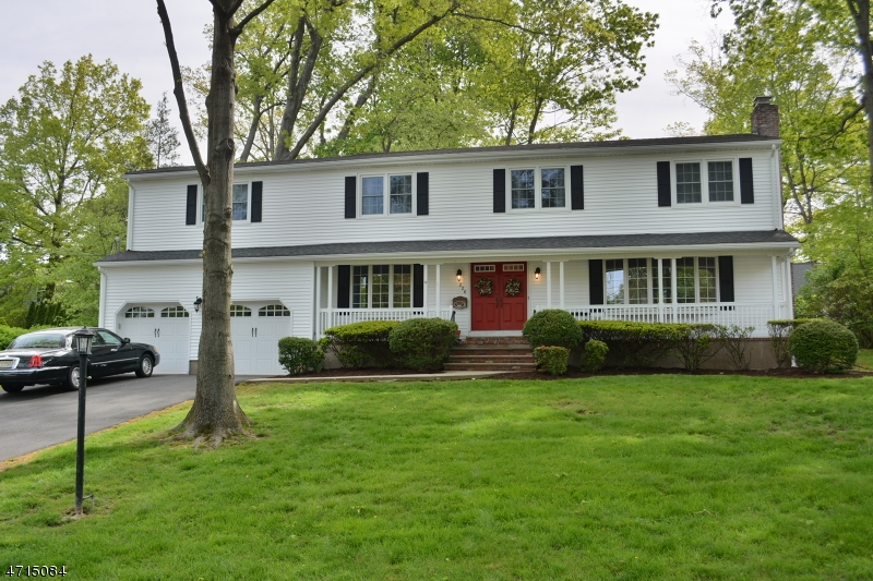 Single Family Home for Sale at 226 Canterbury Drive Ramsey, New Jersey 07446 United States