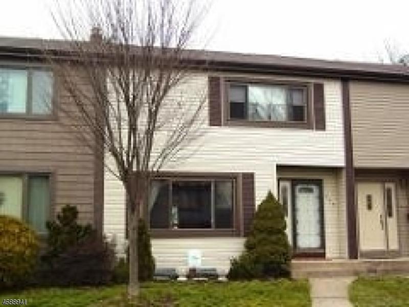 独户住宅 为 出租 在 404 Tall Oak Lane 希尔斯堡, 新泽西州 08844 美国