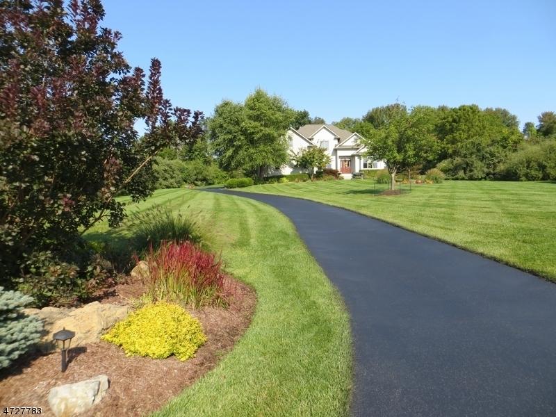 獨棟家庭住宅 為 出售 在 4 Fox Run Andover, 新澤西州 07821 美國