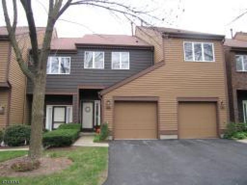 独户住宅 为 出租 在 120 Hempstead Court Madison, 新泽西州 07940 美国