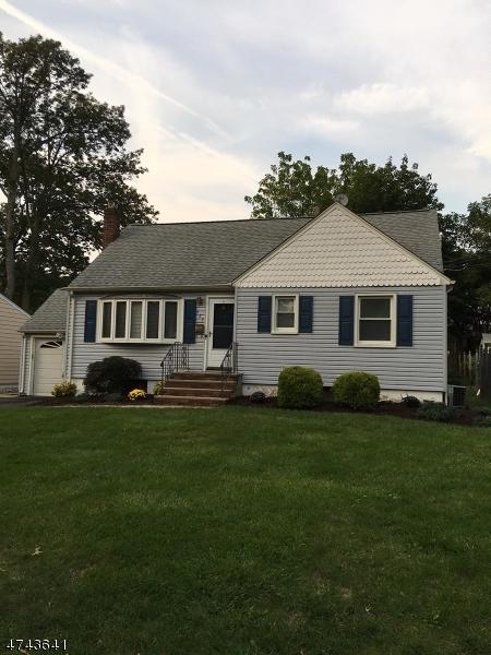 Частный односемейный дом для того Аренда на 327 Farley Avenue Scotch Plains, Нью-Джерси 07076 Соединенные Штаты
