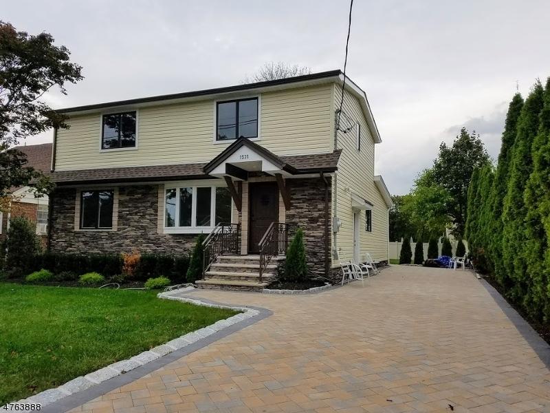 واحد منزل الأسرة للـ Sale في 1531 Van Houten Avenue 1531 Van Houten Avenue Clifton, New Jersey 07013 United States