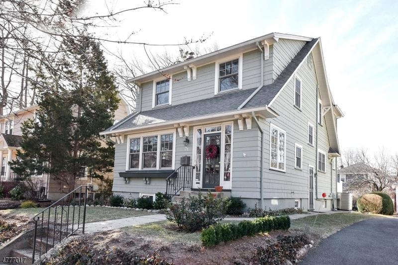 Casa Unifamiliar por un Venta en 31 W Pierrepont Avenue Rutherford, Nueva Jersey 07070 Estados Unidos