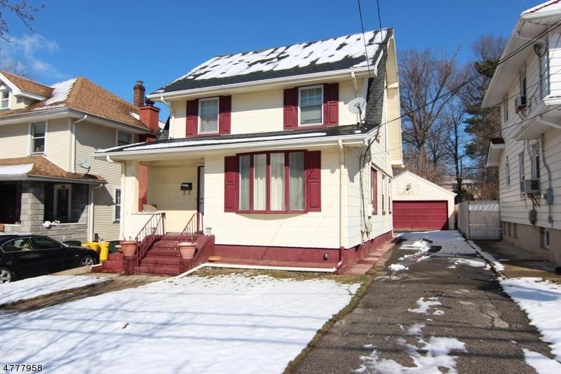 Maison unifamiliale pour l Vente à 65 Brinkerhoff Ter Palisades Park, New Jersey 07650 États-Unis