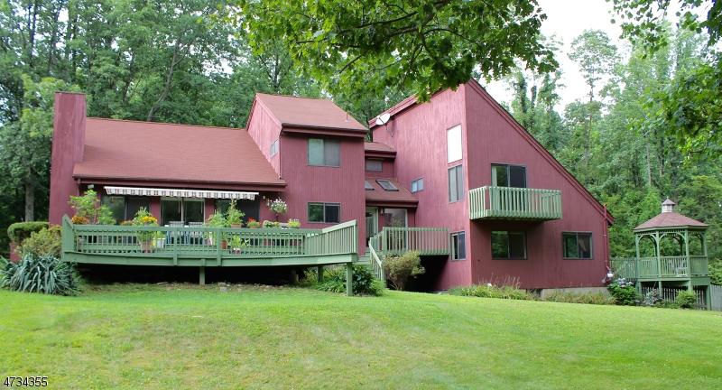 Enfamiljshus för Försäljning vid 54 Sliker Road 54 Sliker Road Lebanon Township, New Jersey 08826 Usa