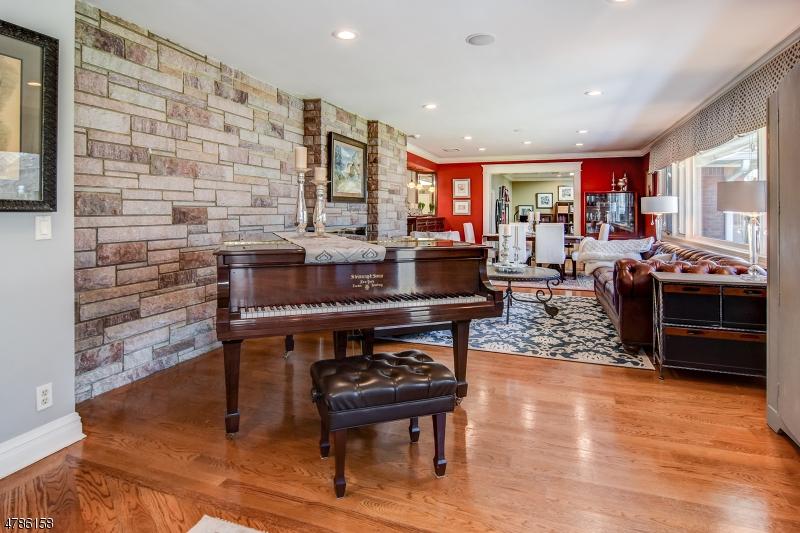 Single Family Home for Sale at 595 Ridgewood Avenue Glen Ridge, New Jersey 07028 United States