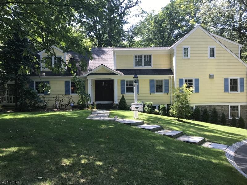 Частный односемейный дом для того Продажа на 9 COUNTRYSIDE Drive New Providence, Нью-Джерси 07901 Соединенные Штаты