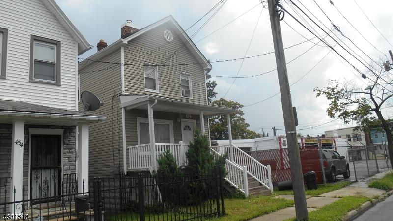 Maison unifamiliale pour l Vente à 432 BURNSIDE Street Orange, New Jersey 07050 États-Unis
